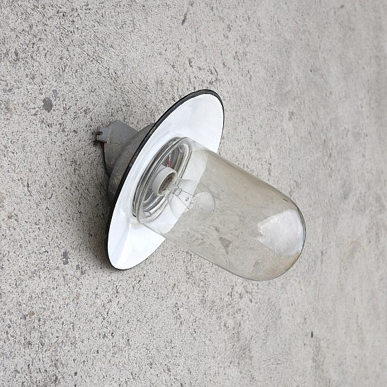 TRIJE_KOSI_industriallamp_three_copies_wall_lamp_outdoor_06