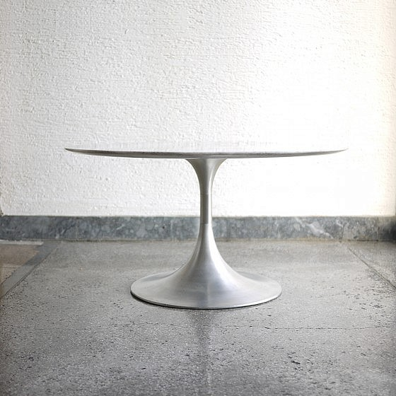 vintage-tulip-white-marble-table-2