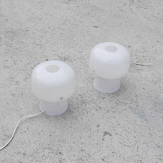 TRIJE_KOSI_Meblo_Pair_white_table_lamps03