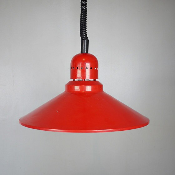 TRIJEKOSI_Red_metal_pendant_industrial_06