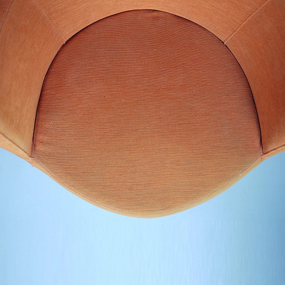 TRIJEKOSI_Orange_chair_swirl_05