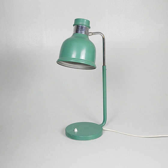 Trije-kosi-industrial-office-table-lamp-green-1